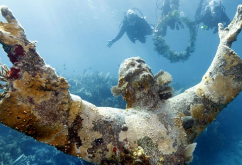 14 Awesome Underwater Sites You Need to Visit in Your Lifetime