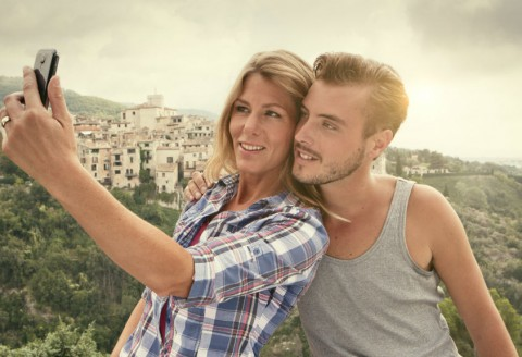 Here is How to Take the Most Spectacular Vacation Selfie Ever!