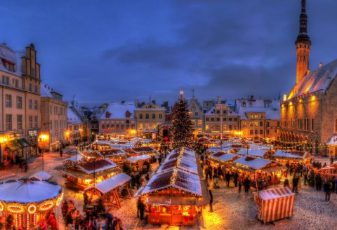 7 Cities for One Perfect Snowy Christmas Night