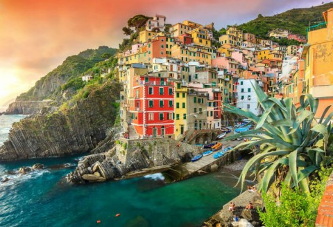 Who Said Living Life on the Edge is No Good?! Just Take a Look at These Gorgeous Cliff-Side Cities