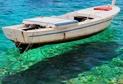 12 Hand-Picked Places With the Clearest Waters in the World