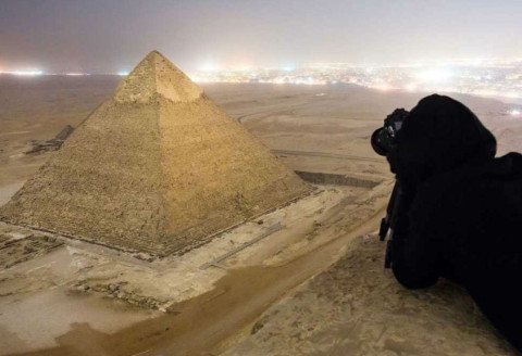 19 Illegally Taken Photographs of the Most Famous Tourist Attractions Around the World