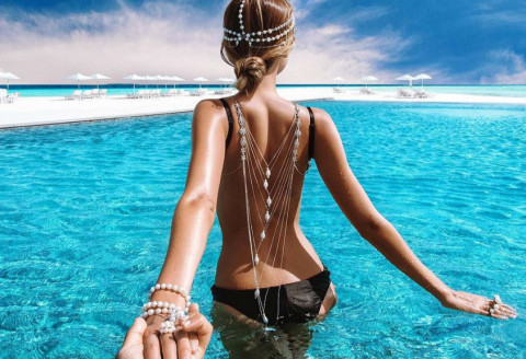 Honeymoon Pictures from the Worldwide Popular #FollowMeTo Couple